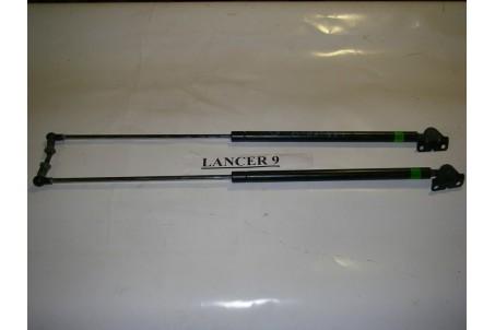 Амортизатор крышки багажника левый универсал Mitsubishi Lancer 9 (CSA) 2003-2009 5802A023 (2982)