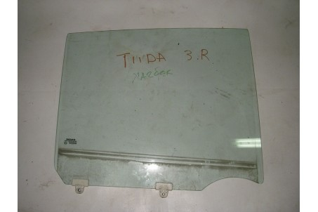 Стекло двери заднее правое Nissan Tiida (C11) 07-13 82300EL000 (3153)