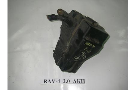 Блок предохранителей двигателя Toyota RAV-4 II 2000-2005  (3665)